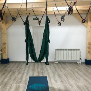 yoga aéreo aeroyoga pilates aeropilates Zahir Ávila
